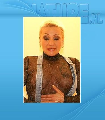 Mature - Lissa (53) - She plays and she has sex through the gloryhole