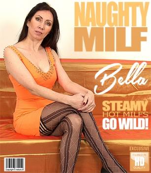 Mature - Bella O. (40) - hot MILF Bella playing with herself