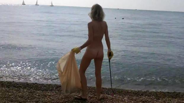 Clean_Up_Brighton_Nudist_Beach