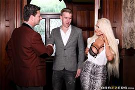 realwifestories-19-11-26-brooklyn-blue-behind-her-husbands-back.jpg