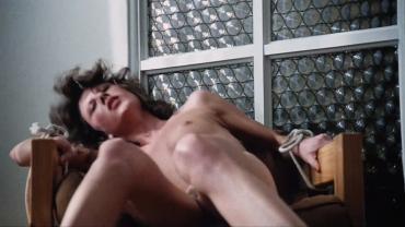 Deborah Coulls  nackt