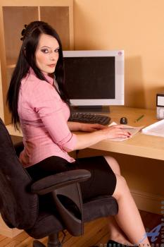 Officevibe-Rebekka Raynor