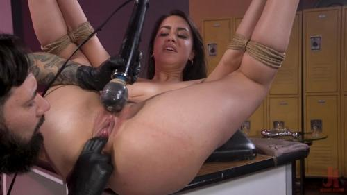 Headshot Horror Alina Lopez exploited. 19 Apr 2019. SexAndSubmission.com (1816 Mb)