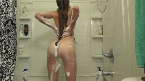 Lily_Anne_Cum_With_My_Shower_Head